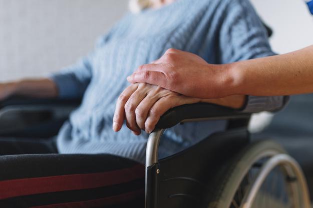 femme-fauteuil-roulant